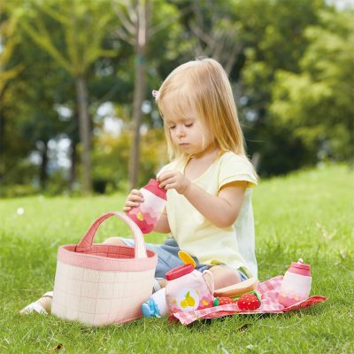 hape-toddler-picnic-basket-18m+